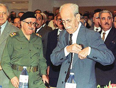 ملوك ورؤساء العراق بعد الأحتلال البريطاني حتى 2014 Abdul_rahman_mohamad_arif_with_tarik_aziz