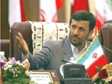 315b67525 طهران (رويترز) - يقوم الرئيس الايراني محمود أحمدي نجاد بأول زيارة رسمية  للمملكة العربية السعودية يوم السبت وهي حليف وثيق للولايات المتحدة تقود  مساعي ...